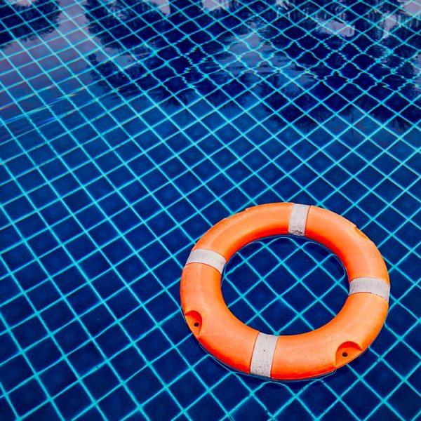 Cómo mantener una piscina